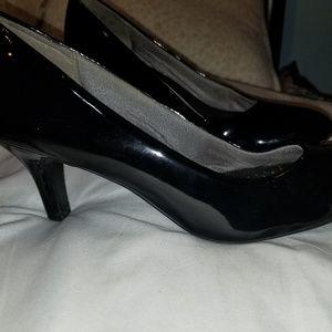 """2"""" Black Heel"""